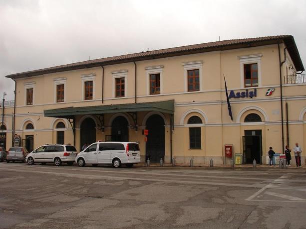 Camera con bagno e Vasca-Idromassaggio vicino stazione-Assisi