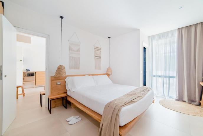 Camera con balcone vista mare hotel4stelle Baia-Domizia