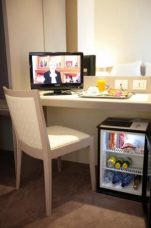 Camere con Frigo Bar e Tv Satellitare