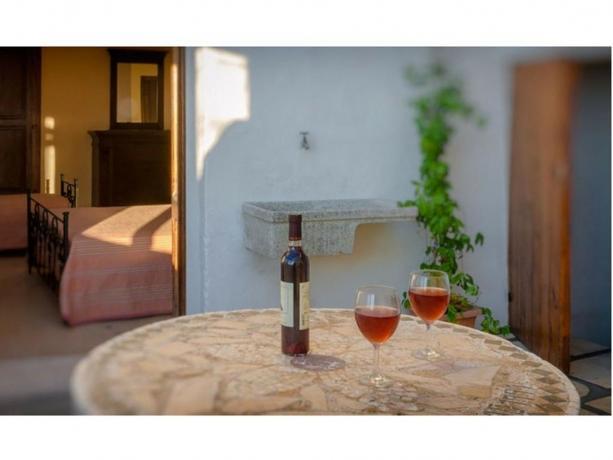 Zona relax con aperitivo Hotel vicino Rivabbella