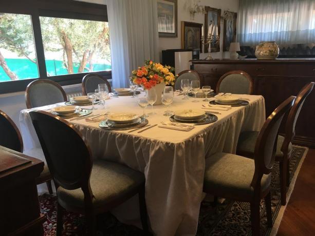 Villa vacanze con tavolo 8persone perugia-umbria