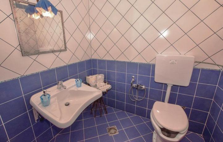 Casa vacanze a San Lupo bagno con servizi
