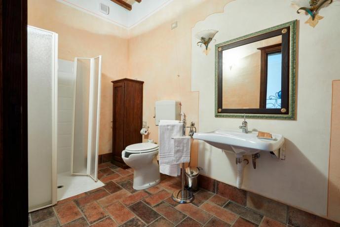 Casale Unciano con bagno servizio con biancheria inclusa