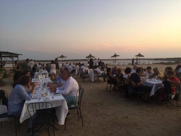 Agriturismo vicino mare con cena a tema Trapani