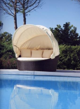 sdraio comode per bordo piscina bambu mobili vimini e