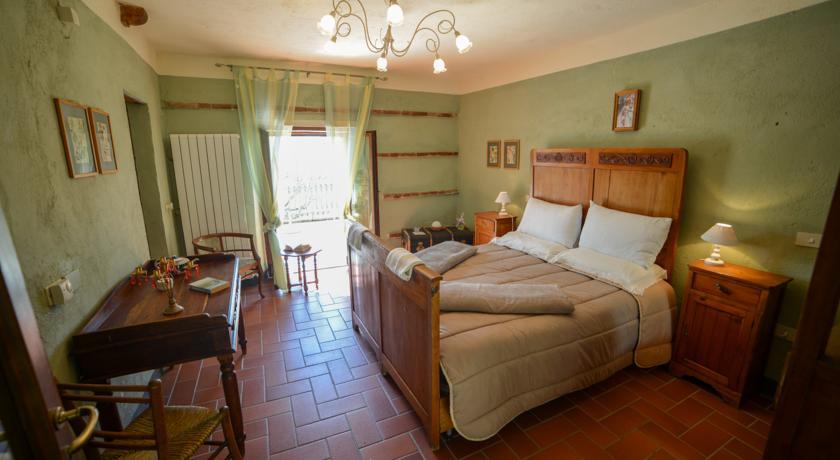 Accogliente camera con terrazzo