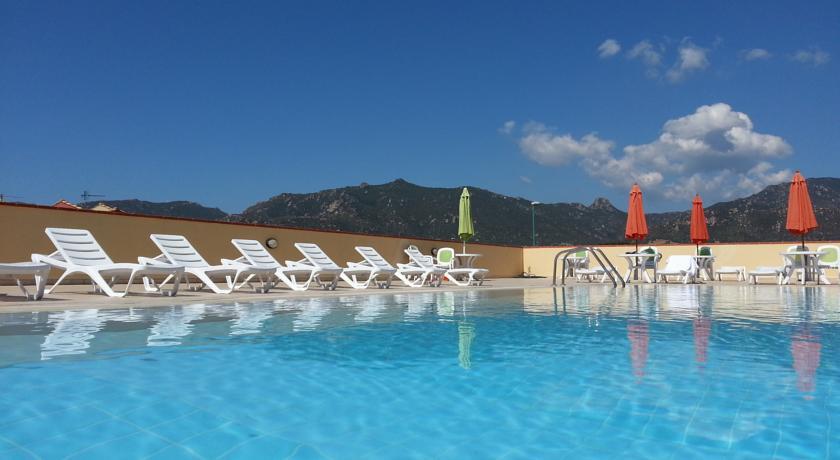 Residence con splendida piscina