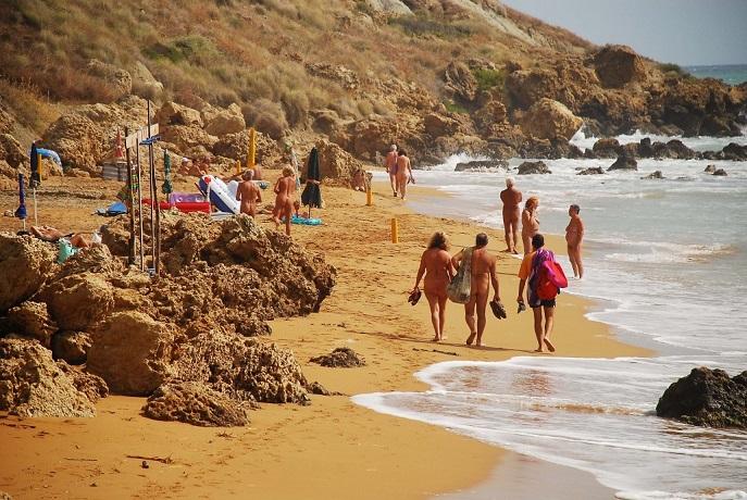Spiaggia privata del villaggio naturista calabria