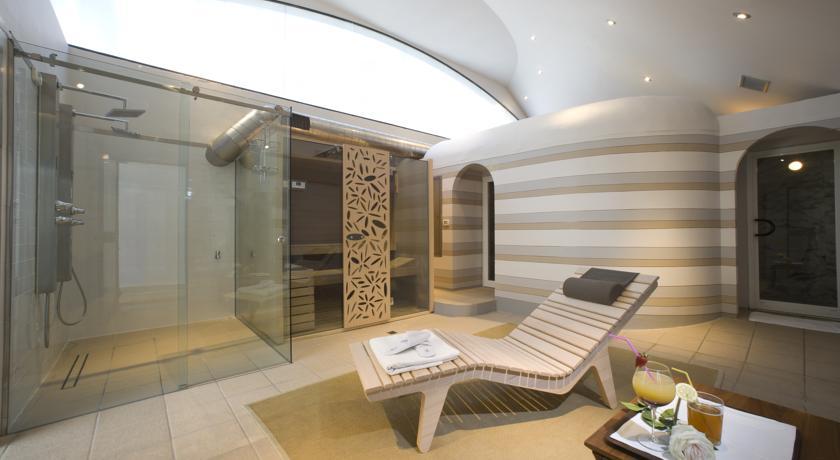 Sauna Bagno Turco Jacuzzi in Hotel a Bra