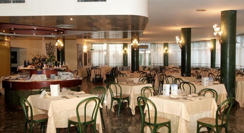 Hotel con Ristorante sul Mare vicino Ostuni