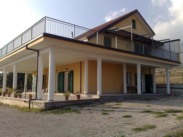 Villa a Castrovillari con balcone panoramico