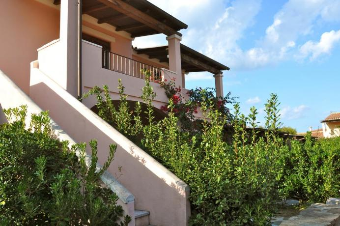 SanTeodoro appartamento-vacanza al primo piano con veranda attrezzata