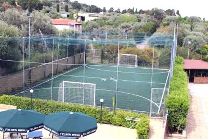 Ad Acquedolci: Residence Etnea con Campo da Calcetto