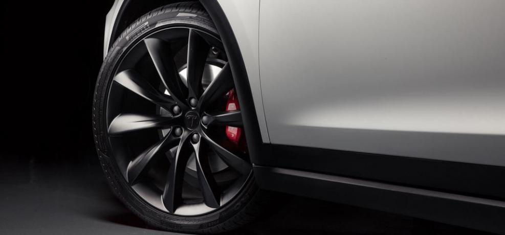 Offerta Noleggio Lungo Termine SUV Tesla