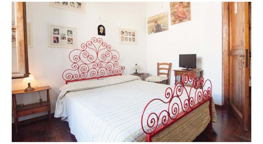 camera da letto appartamento Mammolo casa vacanze