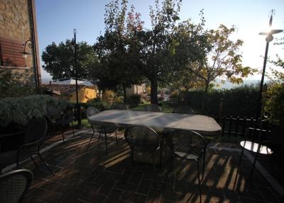Realizzazione e progettazione giardini perugia for Arredo giardino perugia