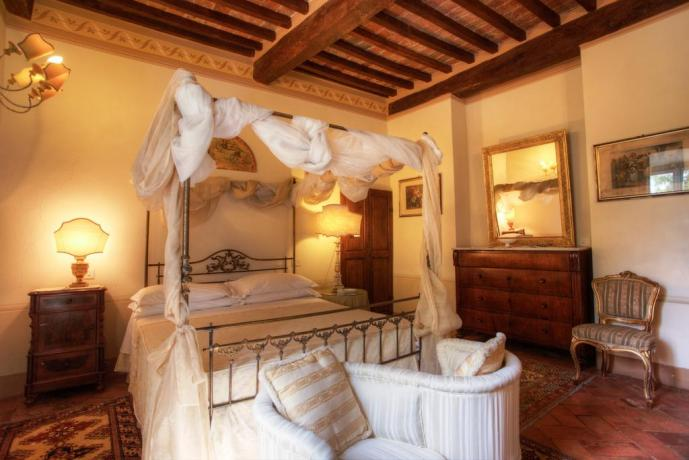 Villa in Toscana con letto a Baldacchino