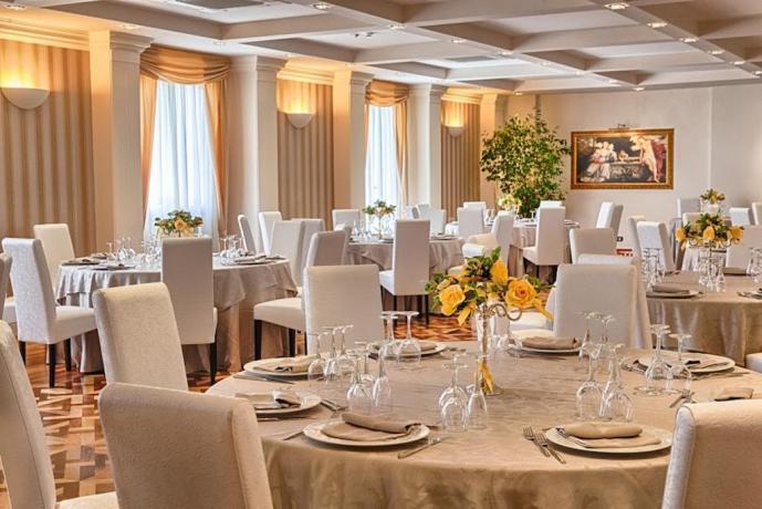 Sala Ristorante Hotel Maria 4 Stelle