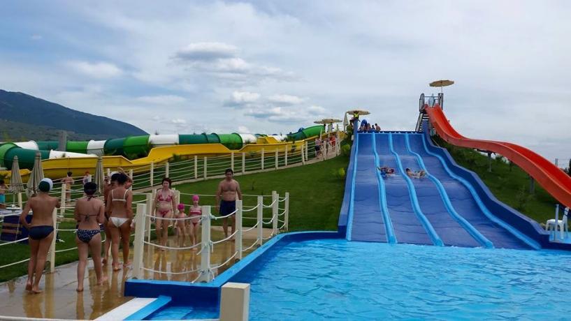 Acquascivoli divertimento adulti e bambini