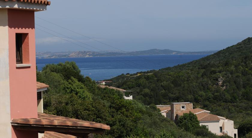 Baja Sardinia, residence sulle rocce di Granito