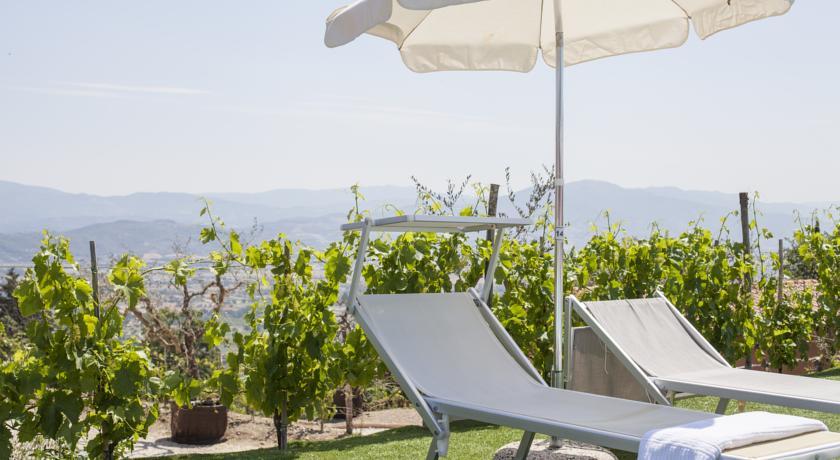 Piscina Panoramica in Villaggio con Animazione