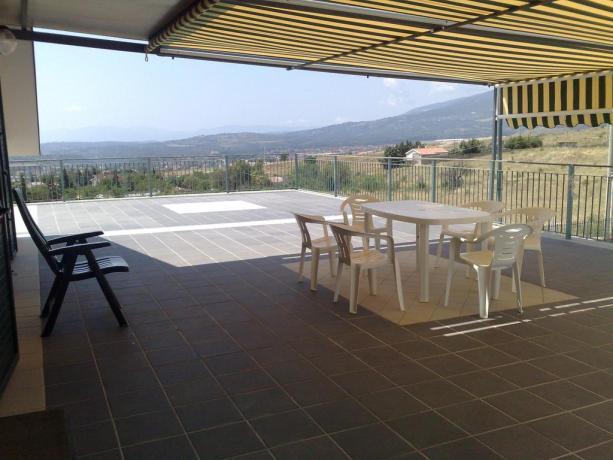 Camera matrimoniale con terrazzo, Cosenza