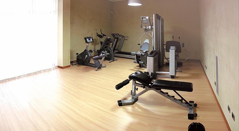 Centro Fitness con attrezzi