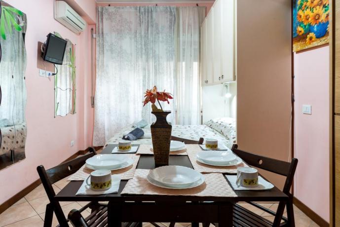 Appartamento con camera e area pranzo a Roma