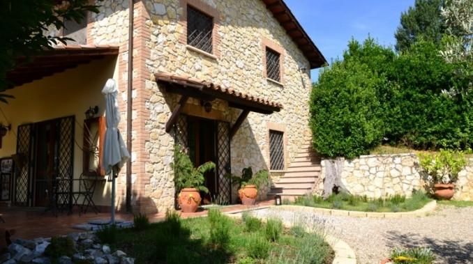 Esterno Casale Montecchio in Umbria