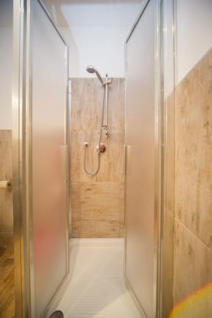 Box doccia appartamento-vacanze monolocale 4posti letto bardonecchia