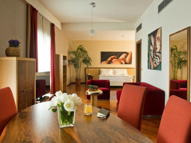 Suite elegante hotel4stelle Manfredonia servizio in camera