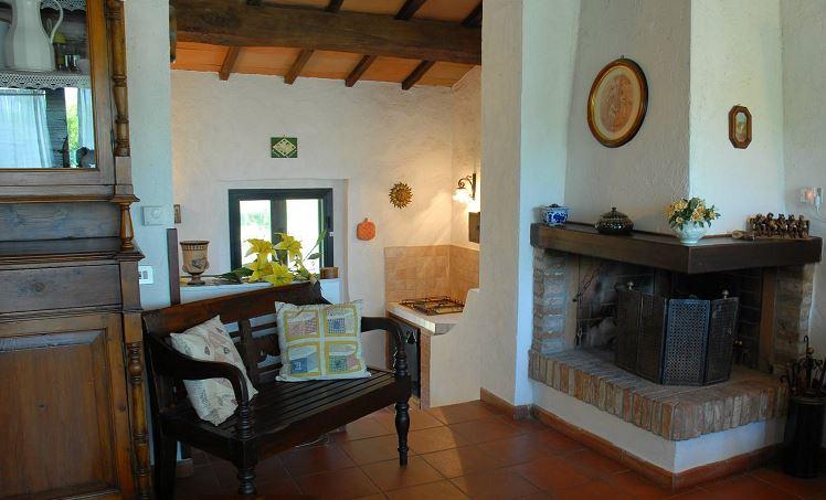 Appartamenti Umbria in villa salone e camino