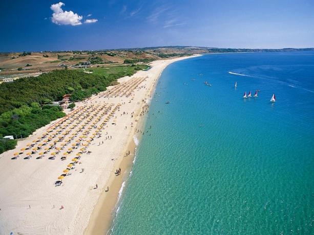 Villaggio turistico 4 stelle con spiaggia privata:Calabria