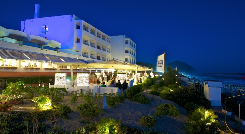Vista notturna dell'Hotel Residence