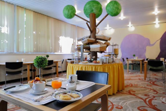 Romantica colazione in hotel a Porretta Terme
