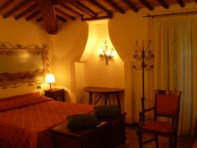 country-hotel-piscina-centrobenessere-gubbio-umbria-ilmolinaccio