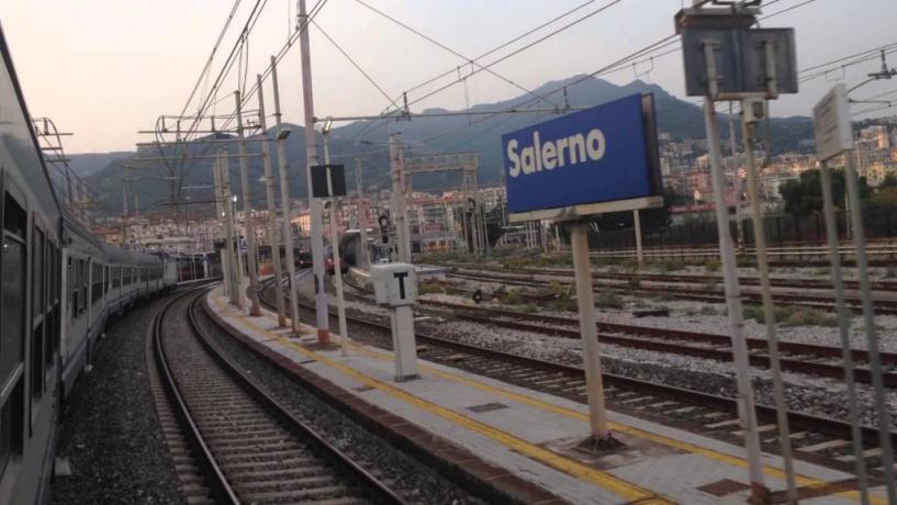 Stazione di Salerno vicina al B&B L'Artista