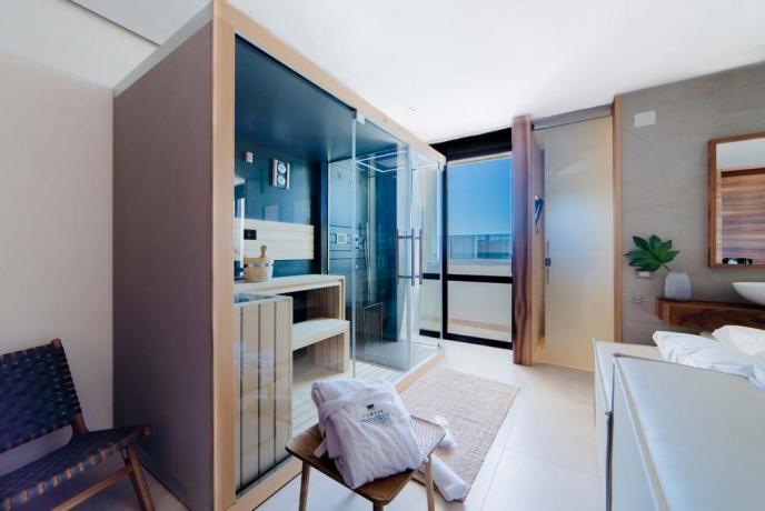 Suite con balcone a Baia Domizia relais4stelle