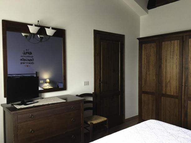 ExPacciano- Stanza Matrimoniale appartamenti vicino LagoTrasimeno