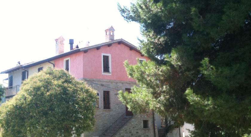 Antico casale con cantina in Umbria