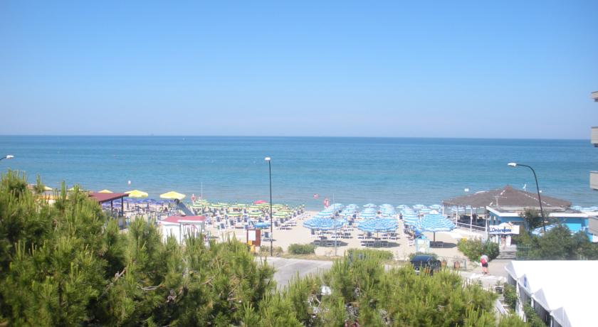 Hotel con Piscina vicino Pescara