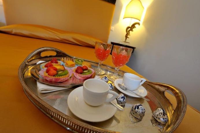 Servizio colazione camera suite in residenza Perugia-Piscille
