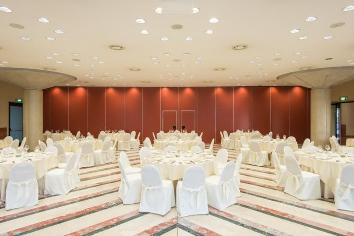 Hotel congressi a Rende, piscina, solarium, ristorante
