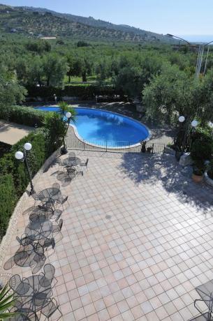Vista piscina panoramica hotel in provincia di Foggia