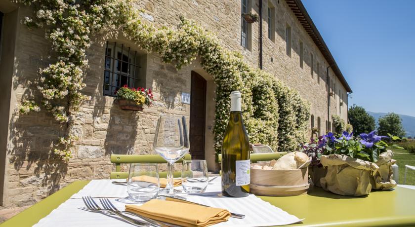 Tenuta storica vicino Assisi e Perugia in campagna