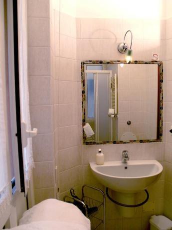 Bagno in camera affittacamere nel Lazio