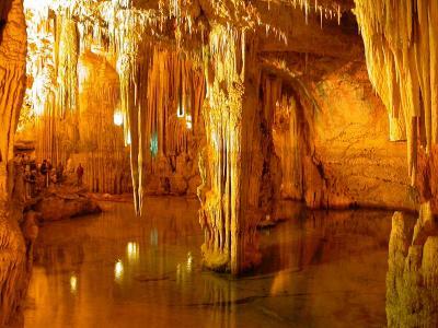 Grotte di Castellana polo turistico naturale in Puglia