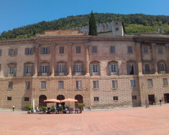 Palazzo a Gubbio Centro.