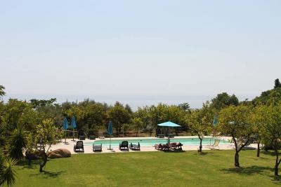 Agriturismo con piscina esterna