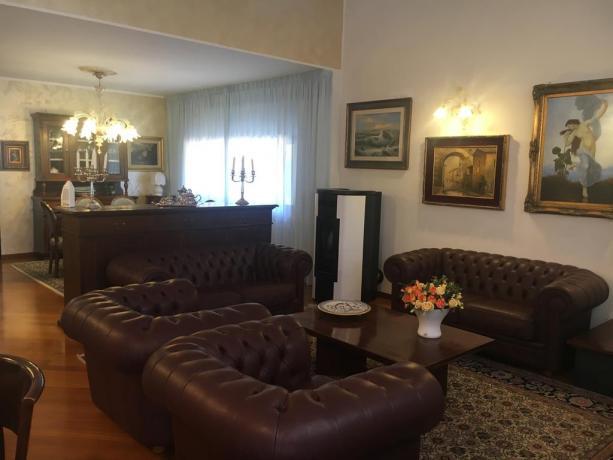 Splendida villa vacanze con salotto a Perugia-Lago Trasimeno